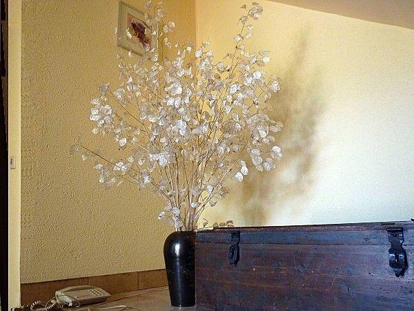 1000 id es sur le th me arrangements de fleurs blanches sur pinterest arrangements de fleurs. Black Bedroom Furniture Sets. Home Design Ideas