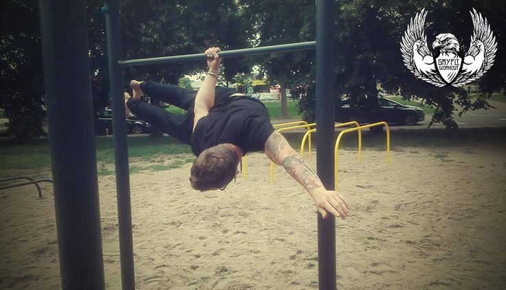 One arm back lever
