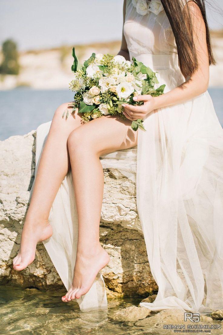 Фотосессия у бирюзового озера, прекрасный образ невесты.
