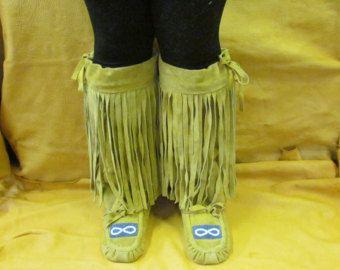 Women's Size 9 Native American Mukluks