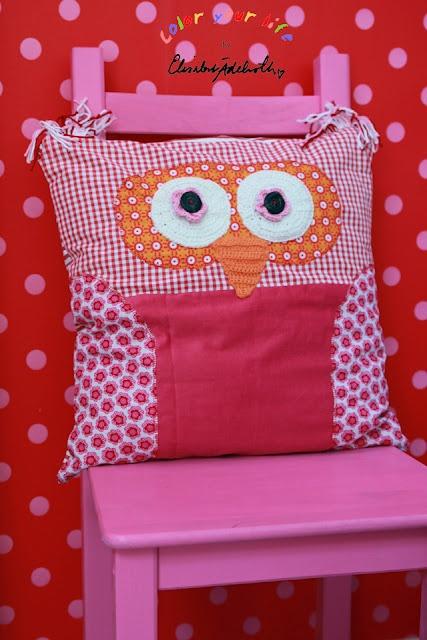 Color your life by Elisabet Ädelroth: owl cushion
