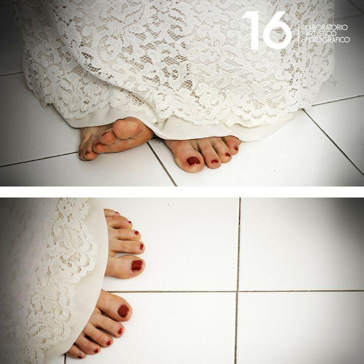 Wedding Glamour in Turin: Preparazione piedi.