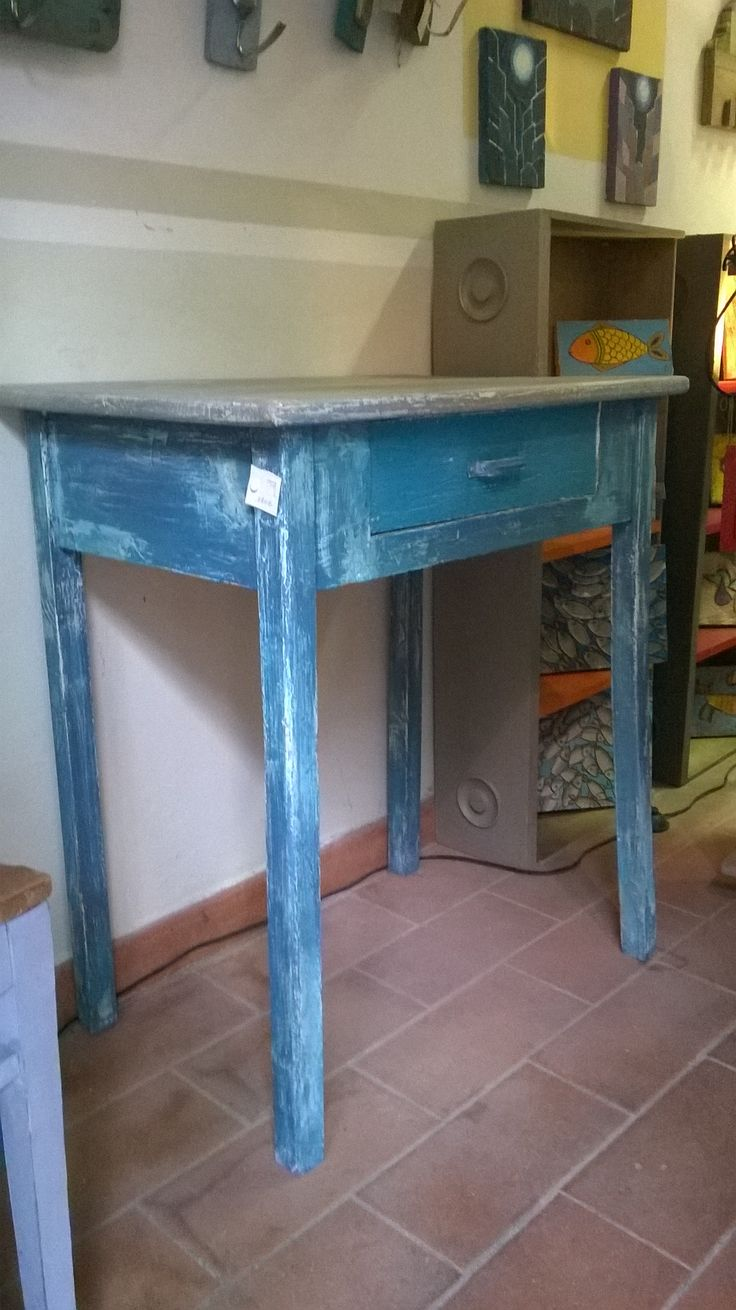 tavolo con cassetto ridipinto