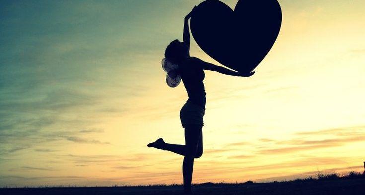 Δεν αγαπάς, αγάπη είσαι!