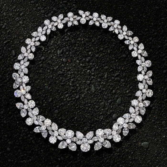 HARRY WINSTON New York.1962.Magnificent diamond 152ct 'Holly Wreath' necklace