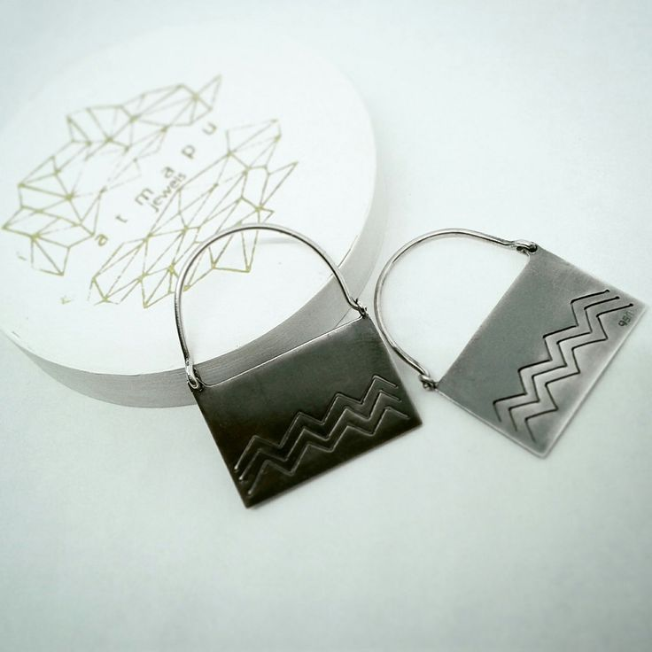Ethnic earrings, oxidized Sterling silver. Different size!!