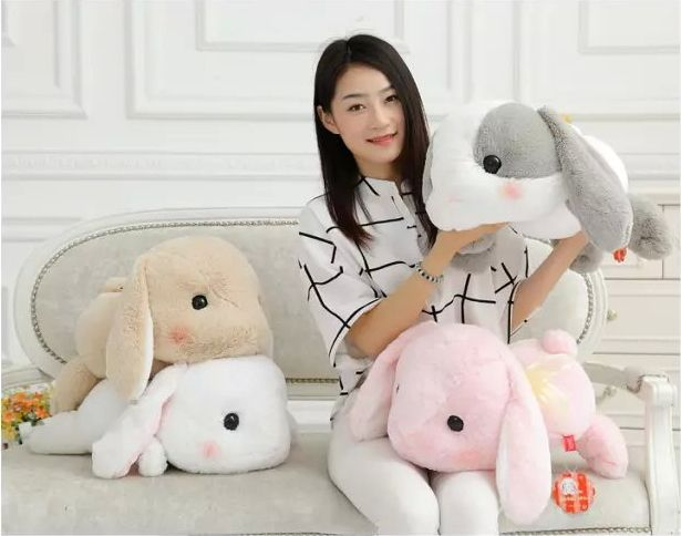 "Cheap doll display, Buy Quality cushion engagement directly from China cushion source Suppliers: 	Condition: 100% Brand New 	Material: High quality plush	Size:  about 16"" (40cm) 	Weight: About 600g"