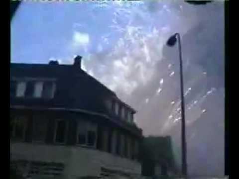 Vuurwerkramp enschede Beelden Explosie   16 years a go ,holland fire work explosion ,a hole town blow away