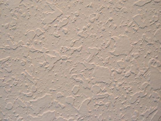 How to apply knockdown texture to your walls using plastic bags (no sprayer needed)... cheap, easy, diy, no tools required