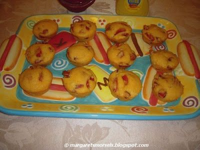 Corn dogs baked in a muffin pan.  How clever!Trays, Quick Snacks, Fun Food, Bowls Food, Food Bloggers, Margaret Morsels, Parties Food, Fair Foods