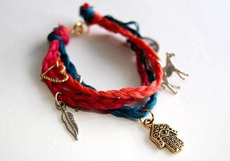 diy charm bracelet: Braids Charms, Diy Jewelry, Braids Bracelets, Diy Gifts, Bracelets Make, Diy Bracelets, Charms Bracelets, Friendship Bracelets, Jewelry Diy