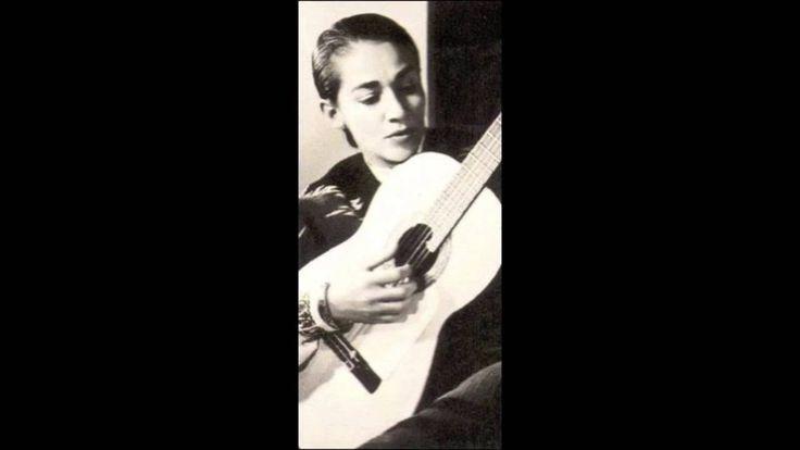 0703 Chavela Vargas, Noche de ronda. Antonio Bribiesca en la guitarra. Compositor: Agustín Lara.