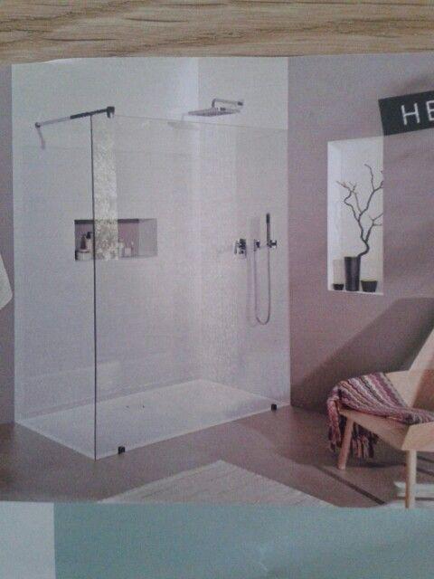 Dusche mit Ablage