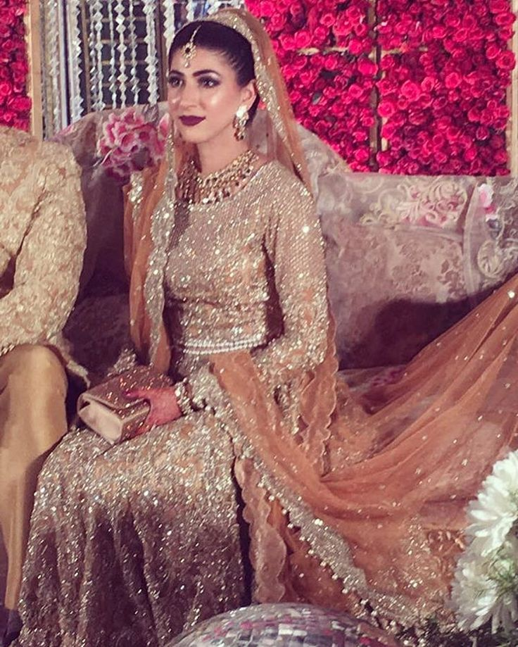 Mariah looks stunning at her wedding in a signature @farazmanan gold bridal #farazmananbride #lahore #dubai #london #bridal #couture #farazmanan #makeup @maramaabroo