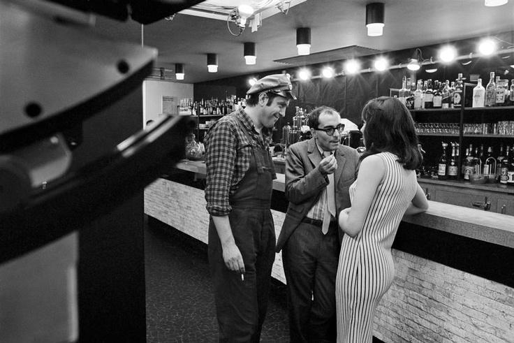 "Anna Karina and Godard on set ""Made in USA""  Любимки Анна Карина и Жан-Люк Годар / Блог им. Chief / КиноКухня"