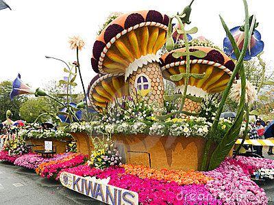Kiwanis 2011 Rose Bowl Parade Float by Groovychick69, via Dreamstime.
