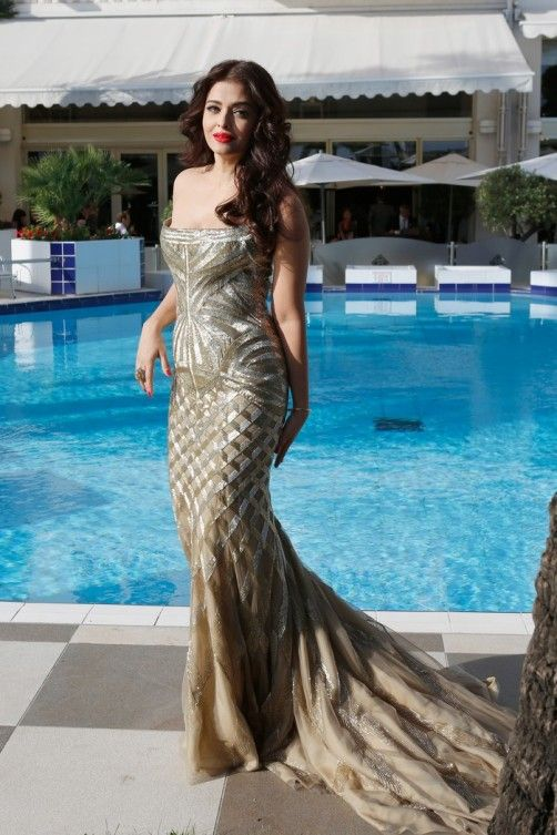 Cannes 2014: Aishwarya Rai Bachchan Channels Poolside Glamour | Slide 2 | Page 2