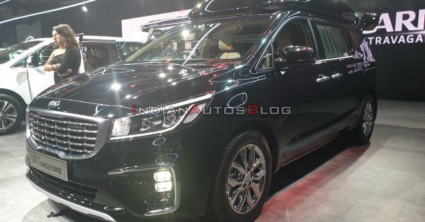 Scoop Kia Considering Carnival Hi Limousine New Top Variant For India In 2020 Kia Limousine New Top