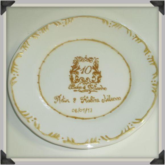 Prato em porcelana Schmidt, pintado à mão para qualquer  bodas ou casamento, ou prato decorativo para parede ou móvel. Diversas opções, peça a sua! Pintamos também outros tipos de louças. R$ 45,00