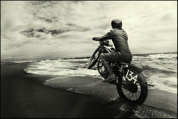oldbikes8negro7ç.jpg (1200×803)