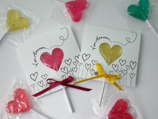 Die etwas andere Einladung zum Geburtstag oder zu einer Party: Die **Lolli-Einladung** (nicht nur für Kinder ;o))  Dieses Mal nicht ganz so bunt.... ein bißchen Farbe gibts durch den Lolli und...