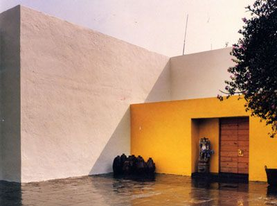 entrance of the 'Eduardo Prieto Lopez House' in Mexico City, 1945-50- Luis Barragan'