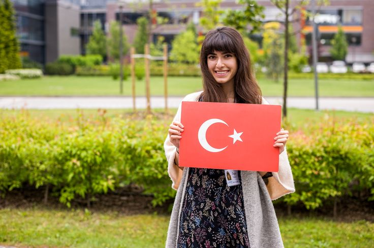 Student from Turkey at International Business School Budapest! www.ibsbudapest.comWhat a day, what a crowd! IBS students truly come from all over the world! It's good to get together once in a while to show our diversity!