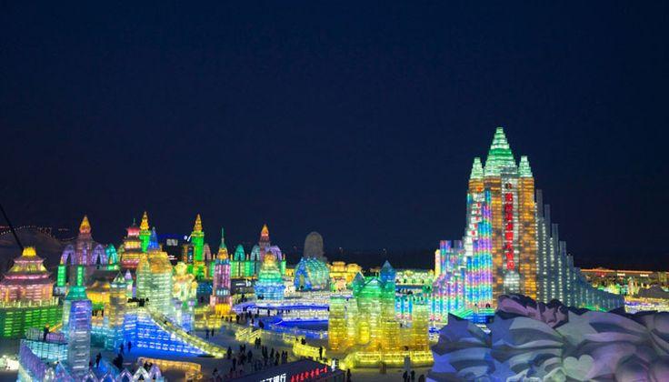 Foto delle sculture di ghiaccio all'Harbin Ice Festival n.07