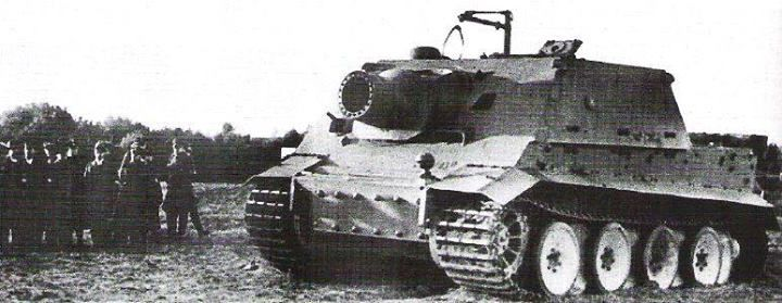Sturmtiger prototype during presentantion on front of Hitler on Arys proving grounds , October 1943