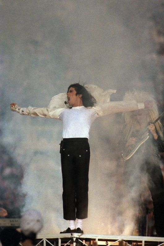 The time he stood on the vent that shot up fog in a Messianic pose and screamed. | 11 Reasons Why Michael Jackson's Super Bowl Halftime Show Was The Best