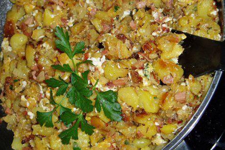 Tiroler Gröstel mit Ei und Salat - Rezept
