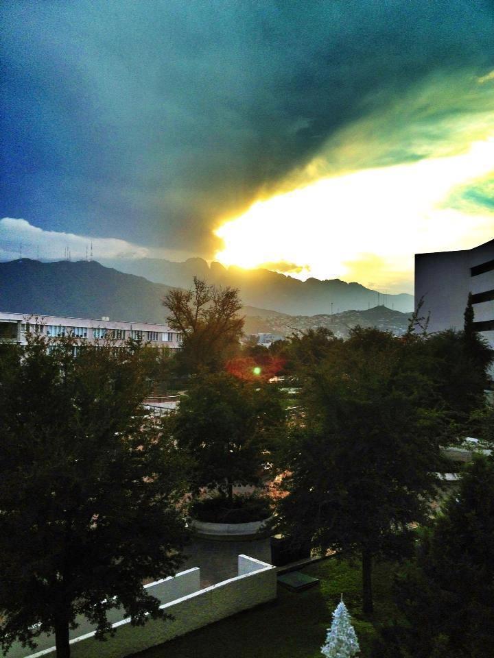 Atardecer desde TEC DE MTY, Campus Monterrey.
