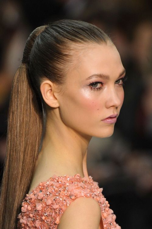 Image via We Heart It #hairstyle #KarlieKloss #makeup #model