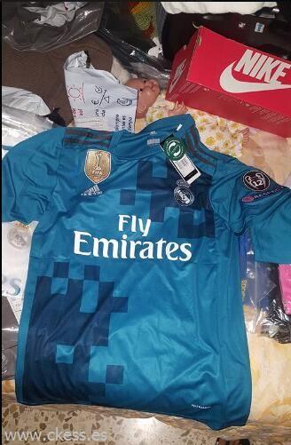 Jersey 2018 Madrid para hombre03 Camisetas de Fútbol 17-18 Baratas ... 3ed3bc42b11b2