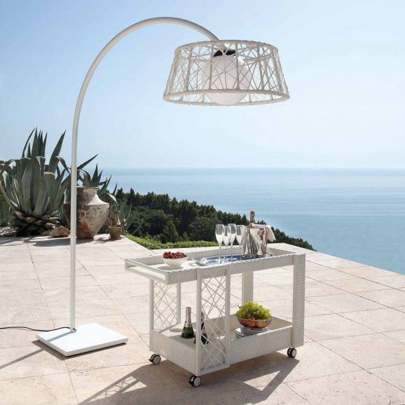 100% Made In Italy. Original floor lamp with aluiminium base and structure, designed by Roberto Serio.