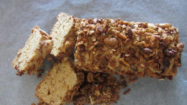 A Casinha das Bolachas: Bolo com Manteiga de Amendoim e Granola