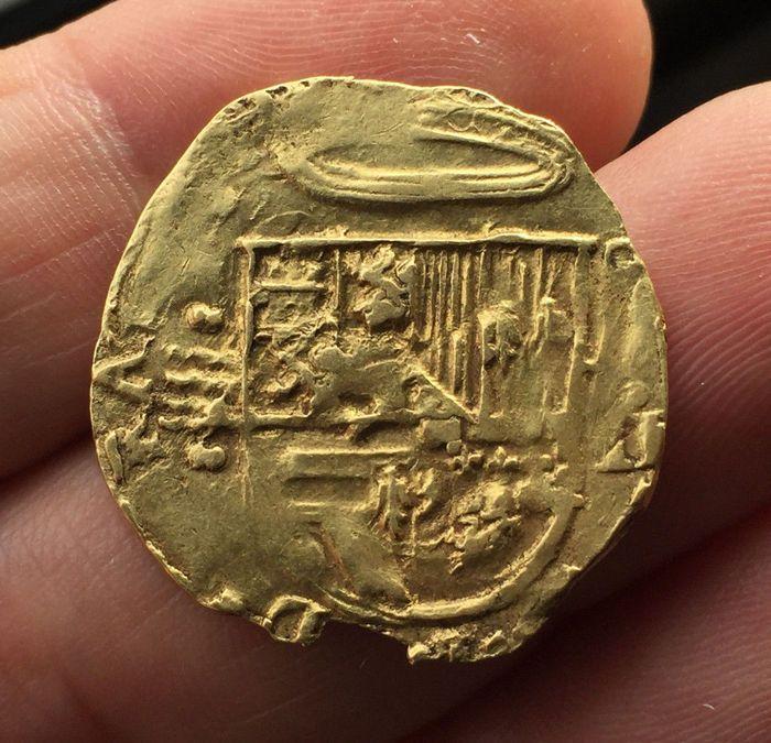 Spanje Felipe II. 2 escudo geslagen in Valladolid. Assayer A. Zonder datum.  Zeldzame Macuquina 2 gouden escudo munt Felipe II.Munt: Valladolid.Assayer: A.Zonder datum (1556-1598).Zie de foto's om een betere indruk te krijgen.Diameter: 28 mmGewicht: 68 g  EUR 300.00  Meer informatie