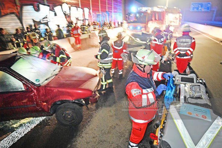 FOTOSTRECKE - Bielefeld: (12) Feuerwehr-Übung auf der A33
