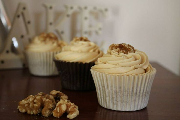 Coffee & walnut cupcakes