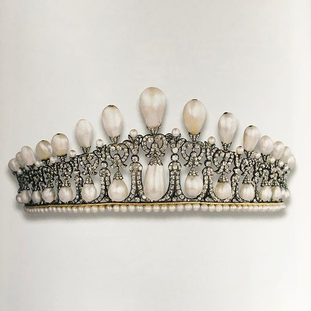 #tb The Cambridge Lover's knot tiara, circa 1800 made in Germany for Princess Augusta of Hesse Cassel, Duchess of Cambridge, inherited by her daughter, the Grand Duchess of Mecklenburg Strelitz and then by her great granddaughter Princess Jutta of Montenegro. Sold by Christie's, 13 May 1981. I remember clearly the excitement when we sold this historic and beautiful tiara!! @christiesjewels @christiesinc #christiesjewels #christiesinc #christies #antique #pearl #diamond #tiara #royaljewels