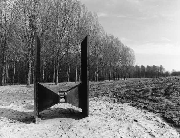 Karien Vervoort, zonder titel (1988), Koningin Beatrixpark, Almere Stad. © Witho Worms, Museum De Paviljoens