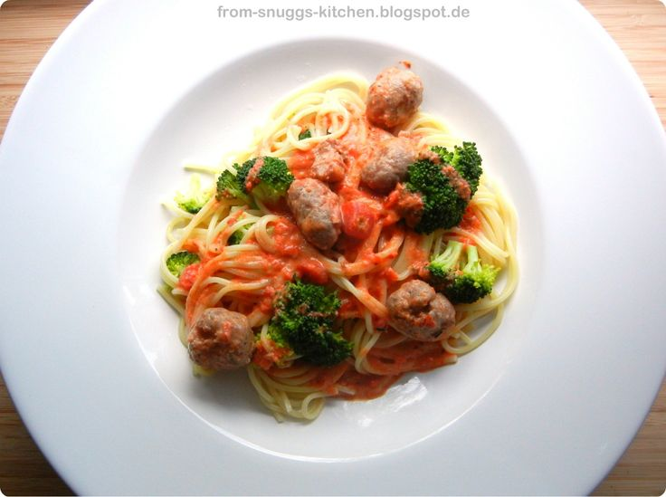 From-Snuggs-Kitchen - Essen aus Hessen und dem Rest der Welt: Pasta mit Tomaten-Wodka-Sosse