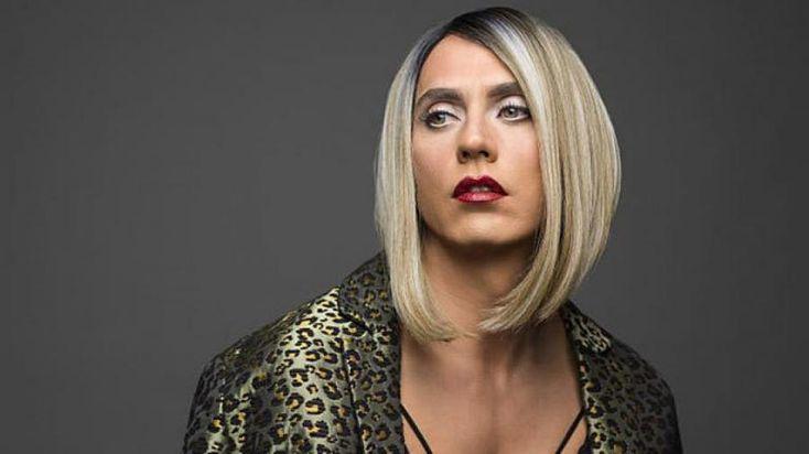 """Gays Gays Paco León: """"Lo importante es que cada vez haya más personajes transexuales"""" Malaga, Anastasia, Netflix, Pride, Long Hair Styles, House, Beautiful, Beauty, World"""
