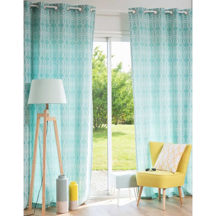 Raum von Maison Du Monde in Mint Home decor and room sytling in Mint&Lemon, beautiful spring colors for living, beautiful curtains