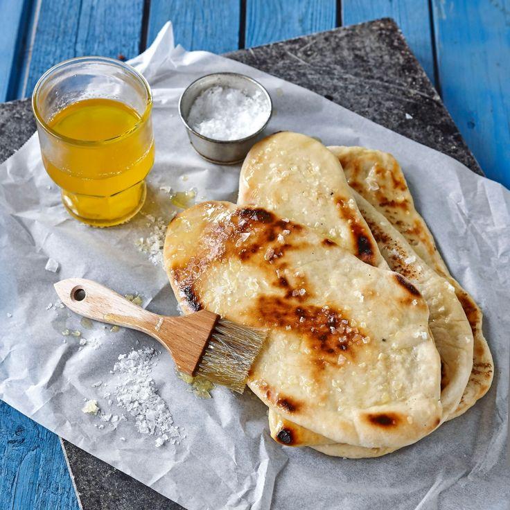 Naanbröd - Ett indiskt bröd som smakar gott till kryddiga maträtter.