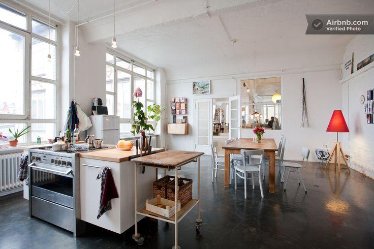 Kreuzberg, Berlin Guide - Airbnb Neighborhoods