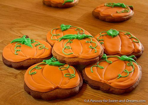 Gingerbread pumpkins