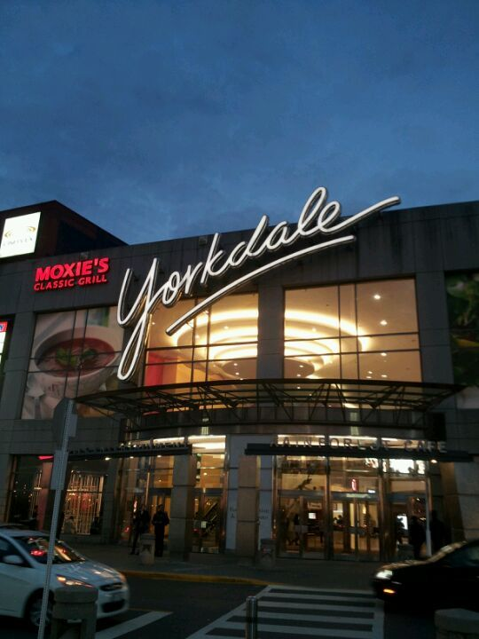 Yorkdale Shopping Centre in Toronto, ON