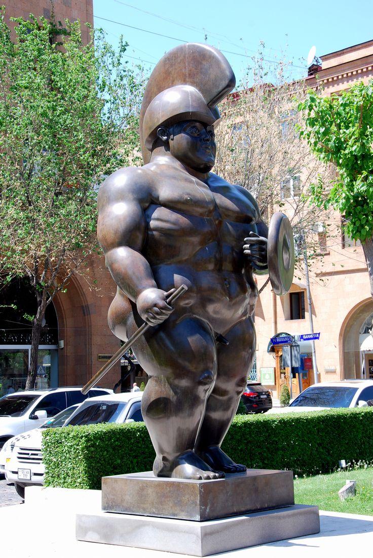 "Ереванский Каскад. ""Воин"" великого Фернандо Ботеро."