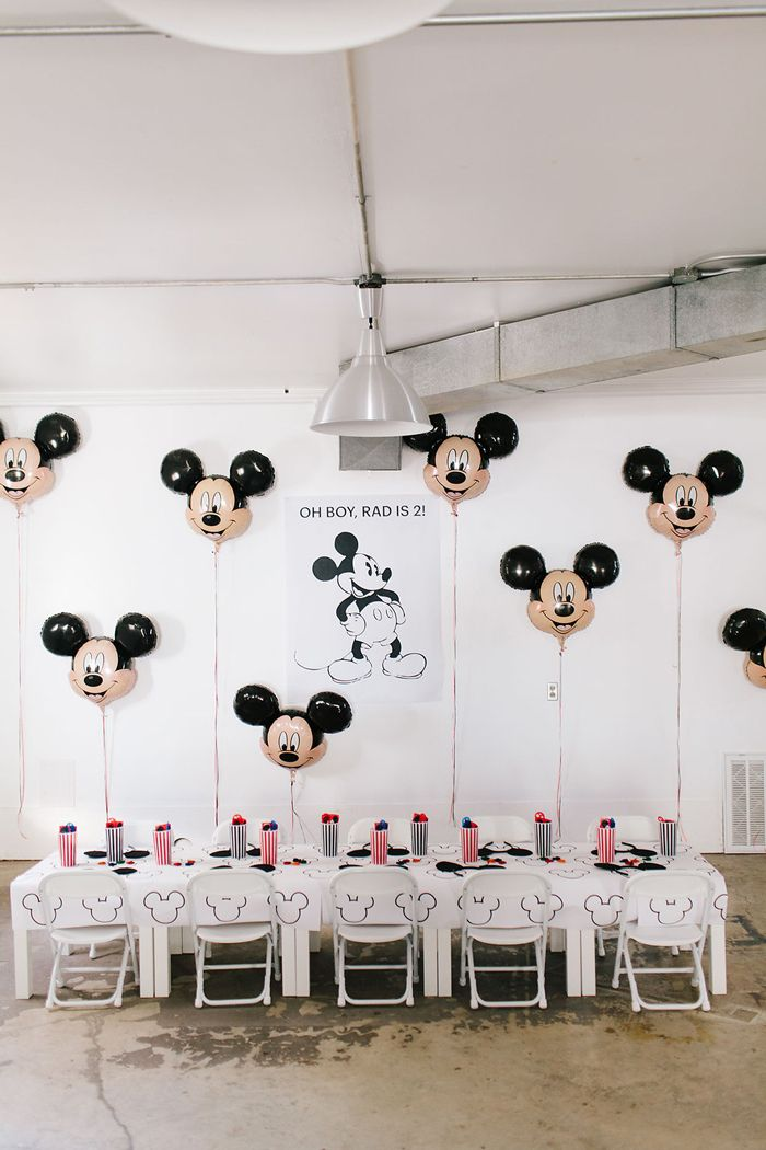 Modern Mickey Mouse party